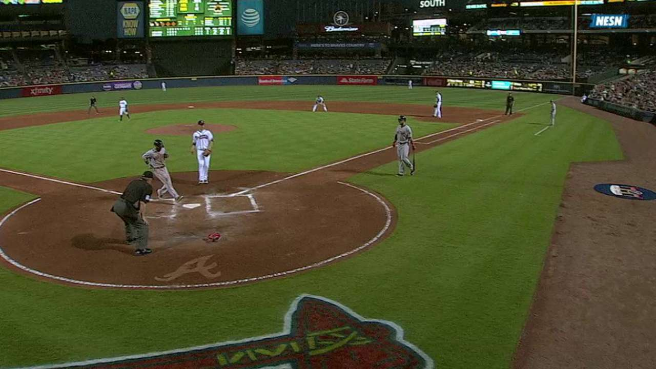 Pedroia scores on wild pitch