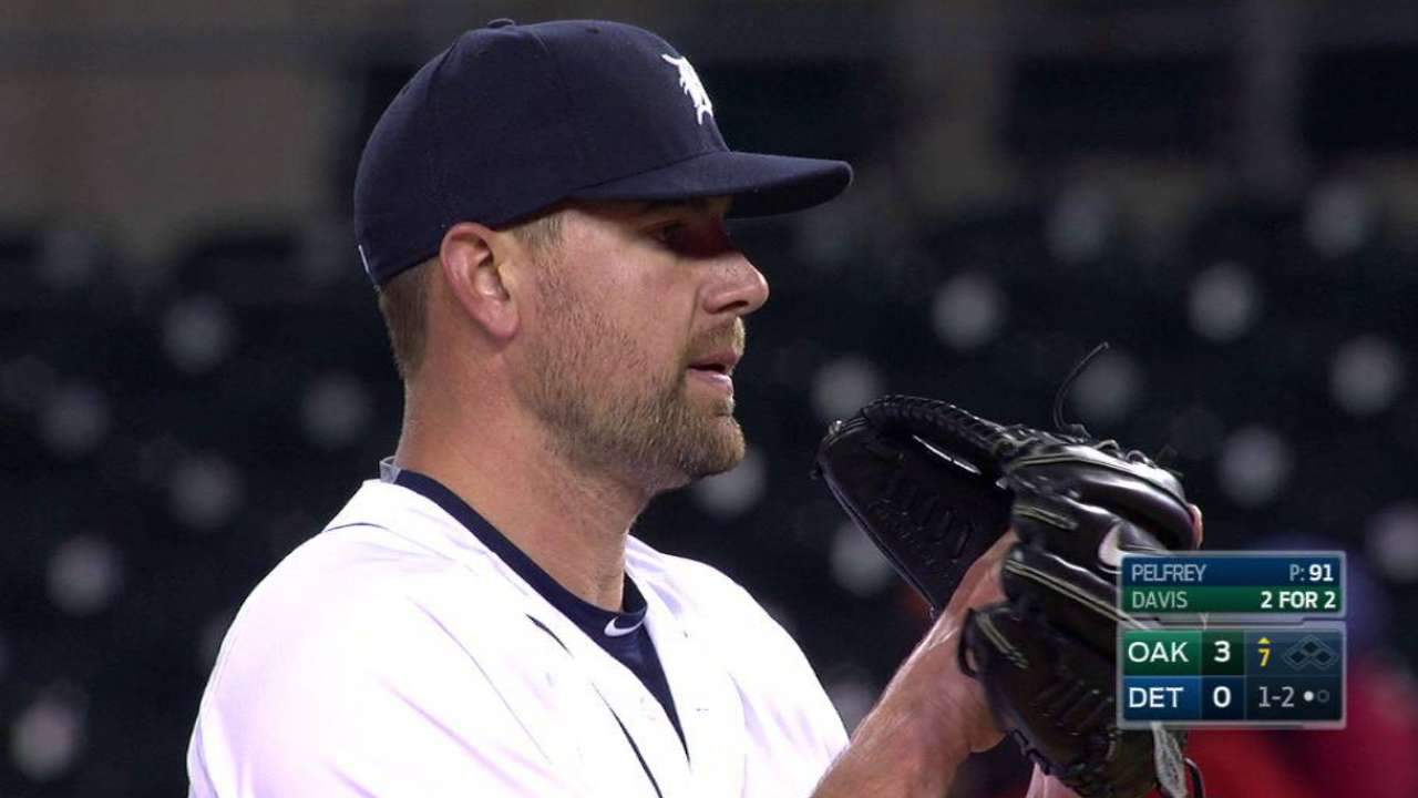 Tigers avoid shutout, but Pelfrey takes loss