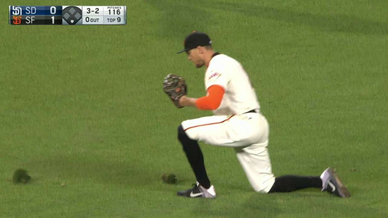 Pence's sliding catch robs Kemp