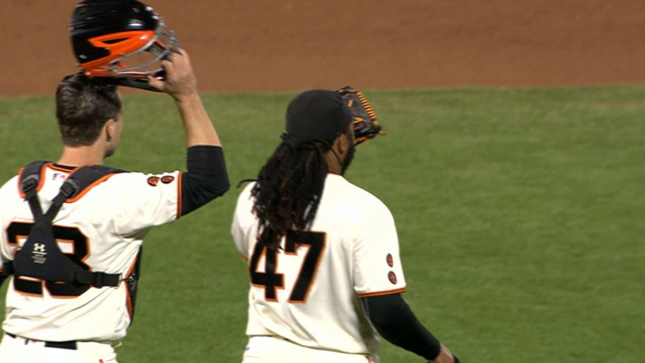 Cueto shuts out Padres