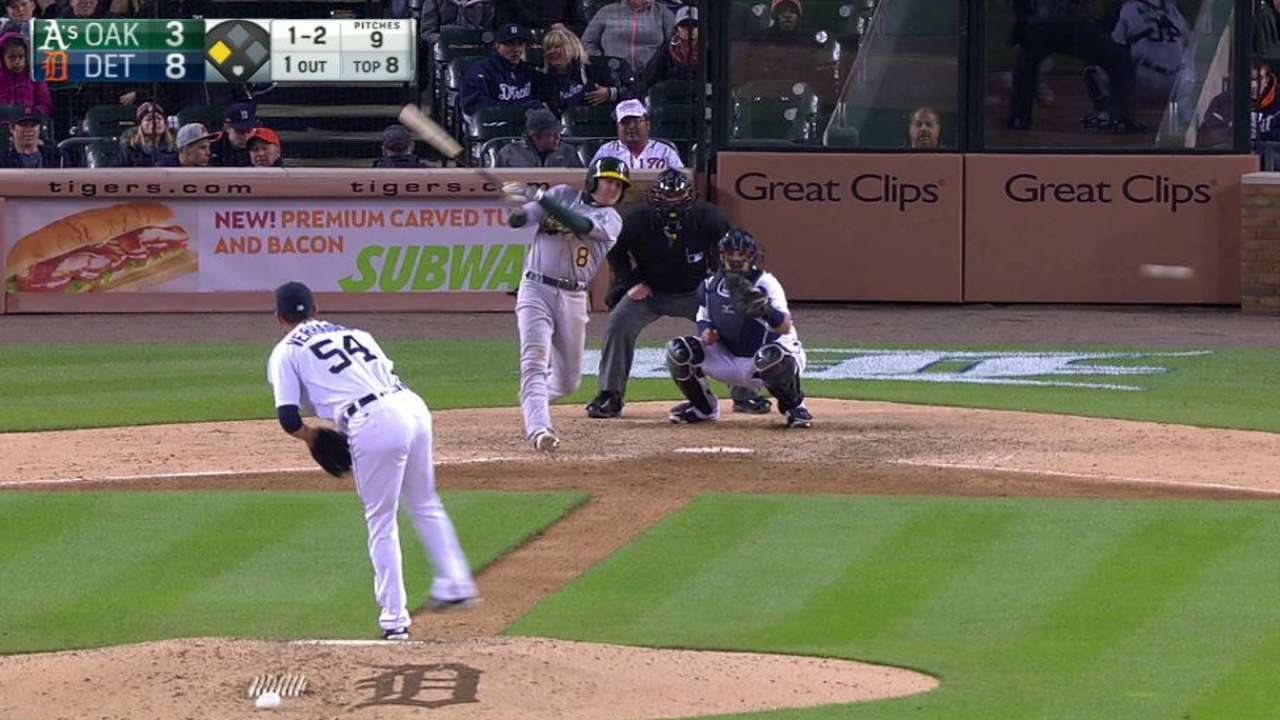 Lowrie providing needed consistency to A's offense
