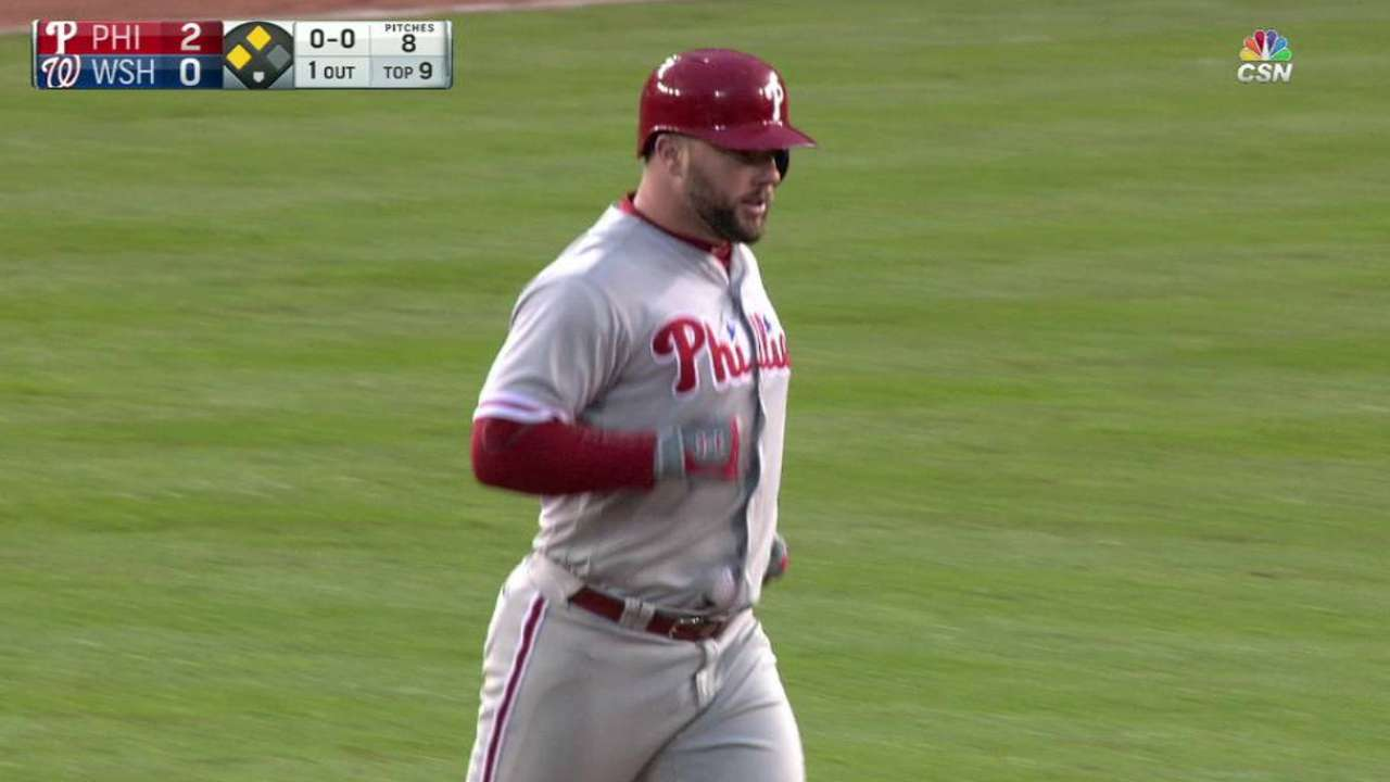 Rupp's clutch 2B carries Phils to sweep of Nats