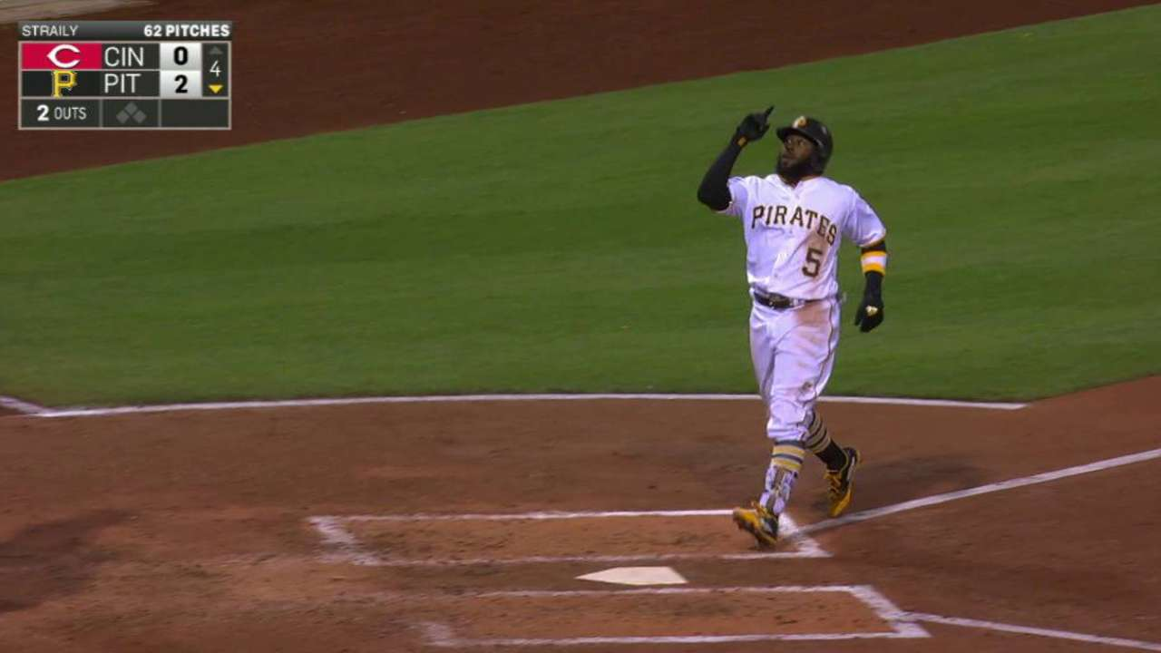 Homers back Nicasio's gem to defeat Reds