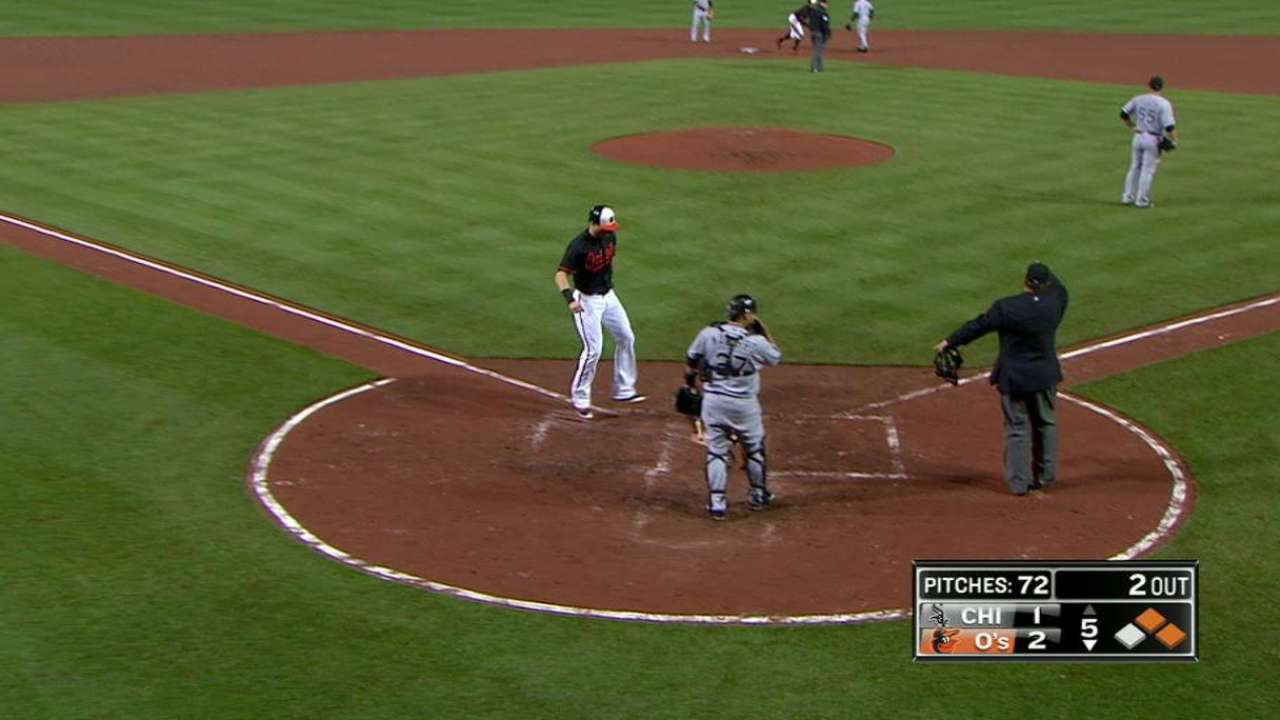 Orioles capitalize on an error