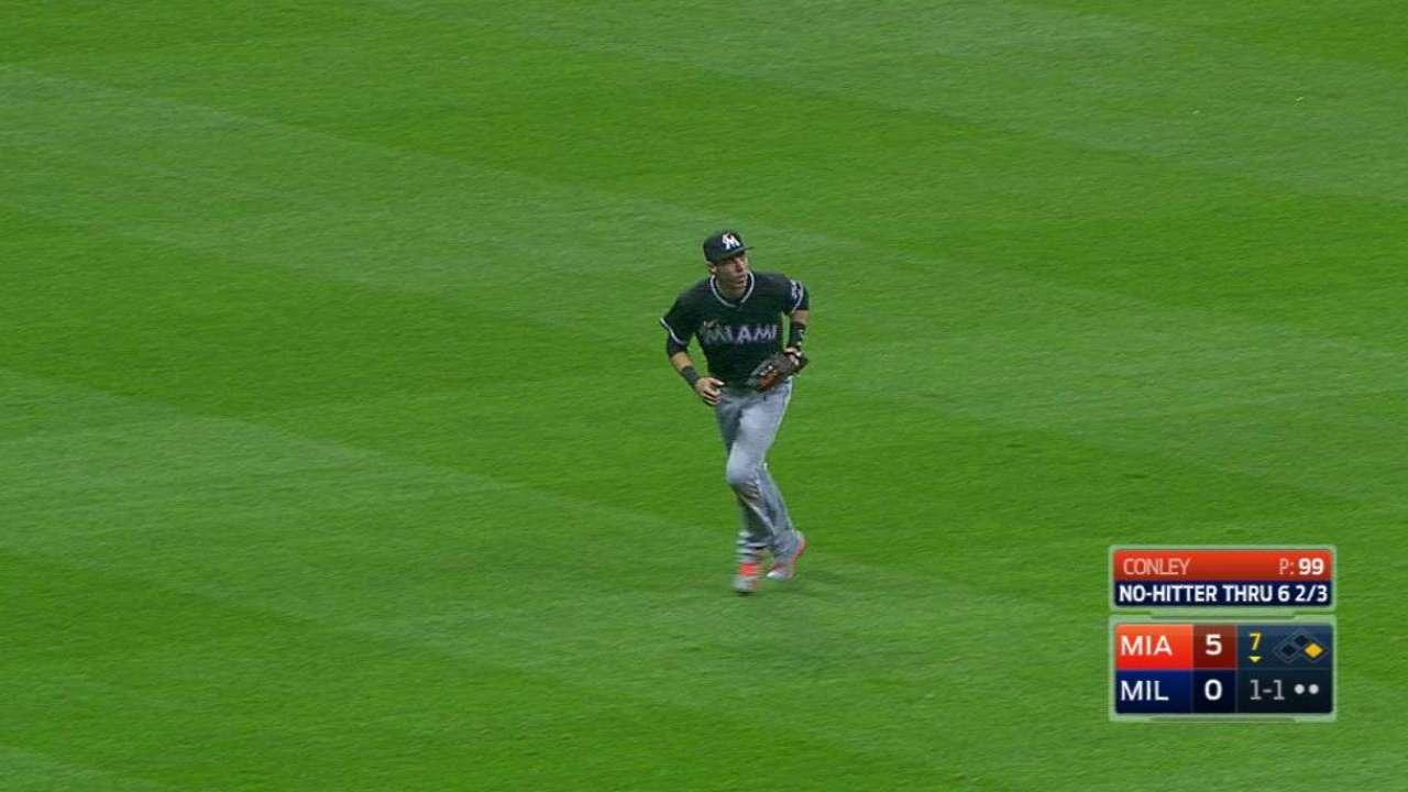 Marlins y Conley coquetearon con el juego sin hits