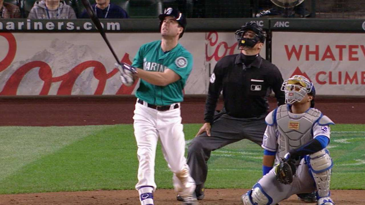 Felix flusters Royals to tie Mariners' wins mark