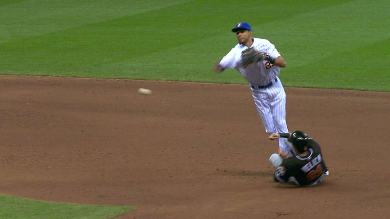 Brewers go around the horn for triple play