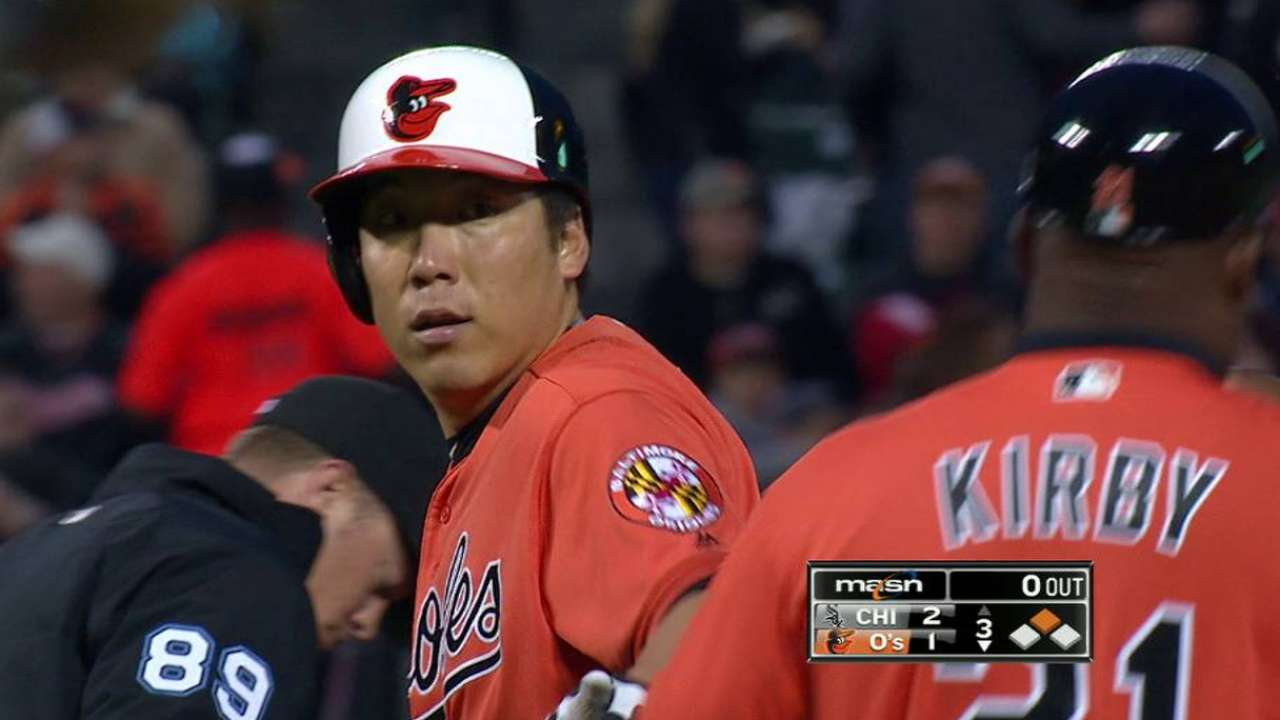 Kim hears cheers with three-hit game for O's