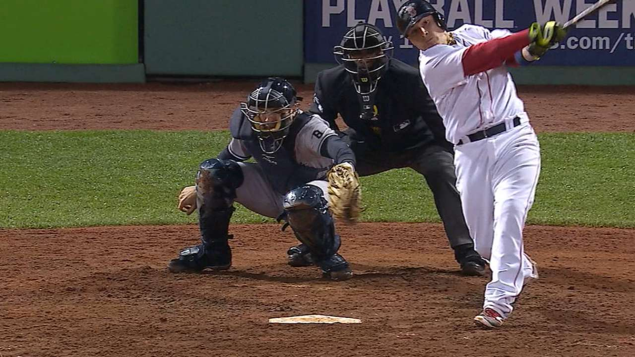Must C: Vazquez's go-ahead homer