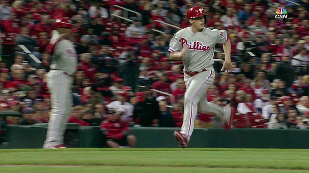 Hellickson hurt by long ball as Phillies fall