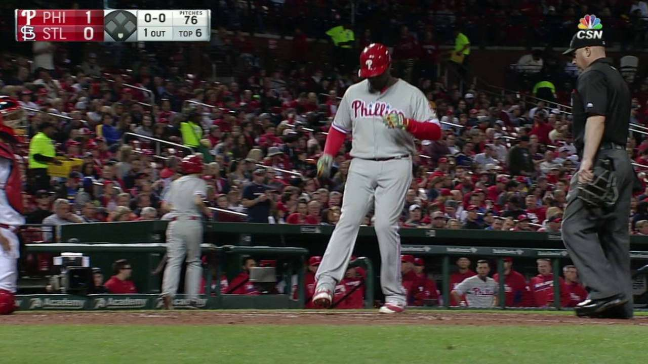 Howard HR lifts Phillies over Cardinals