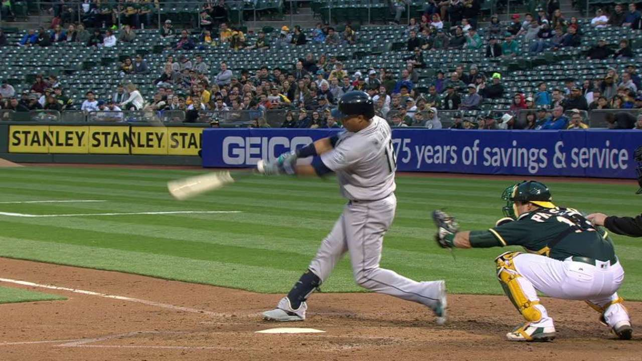 Martin adds surprise jolt to Mariners' power surge