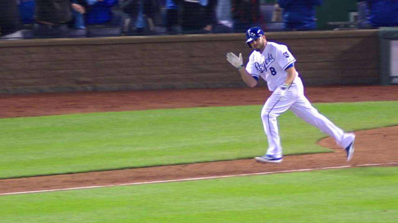 Left thumb injury doesn't stop Moustakas
