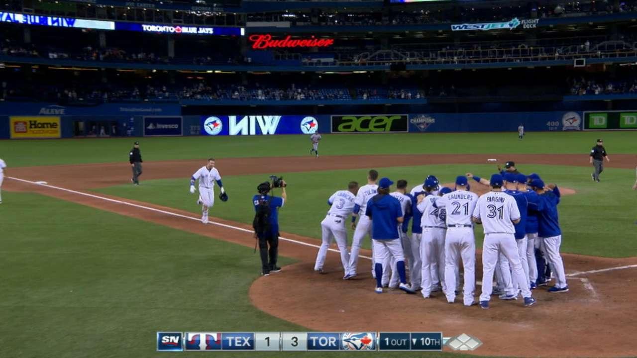 Smoak's two-home run game