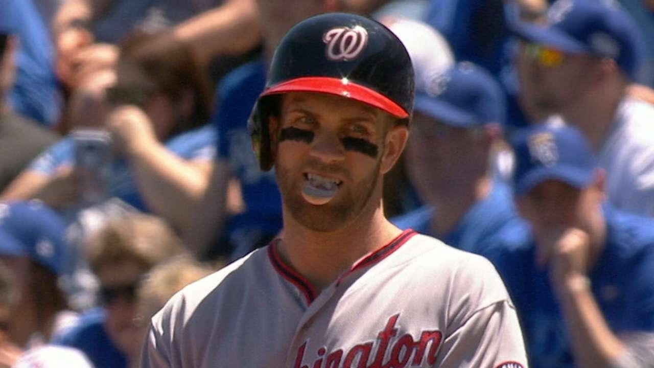 Murphy's 4 hits help Nats march behind Stras