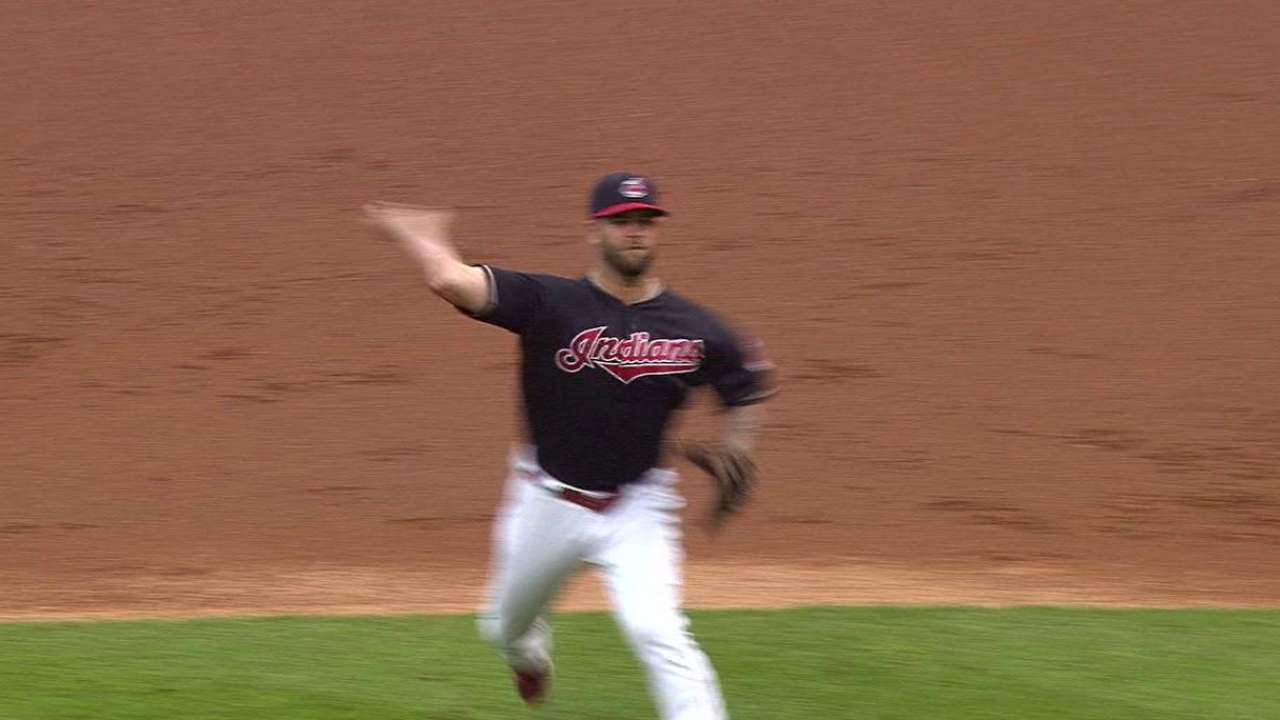 Napoli throws home for forceout
