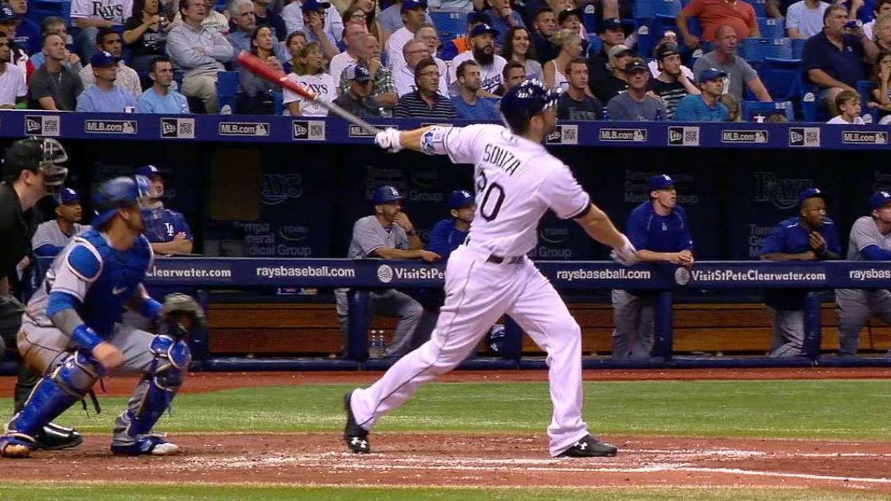 Rays hundieron a Dodgers en casa con 4 bambinazos