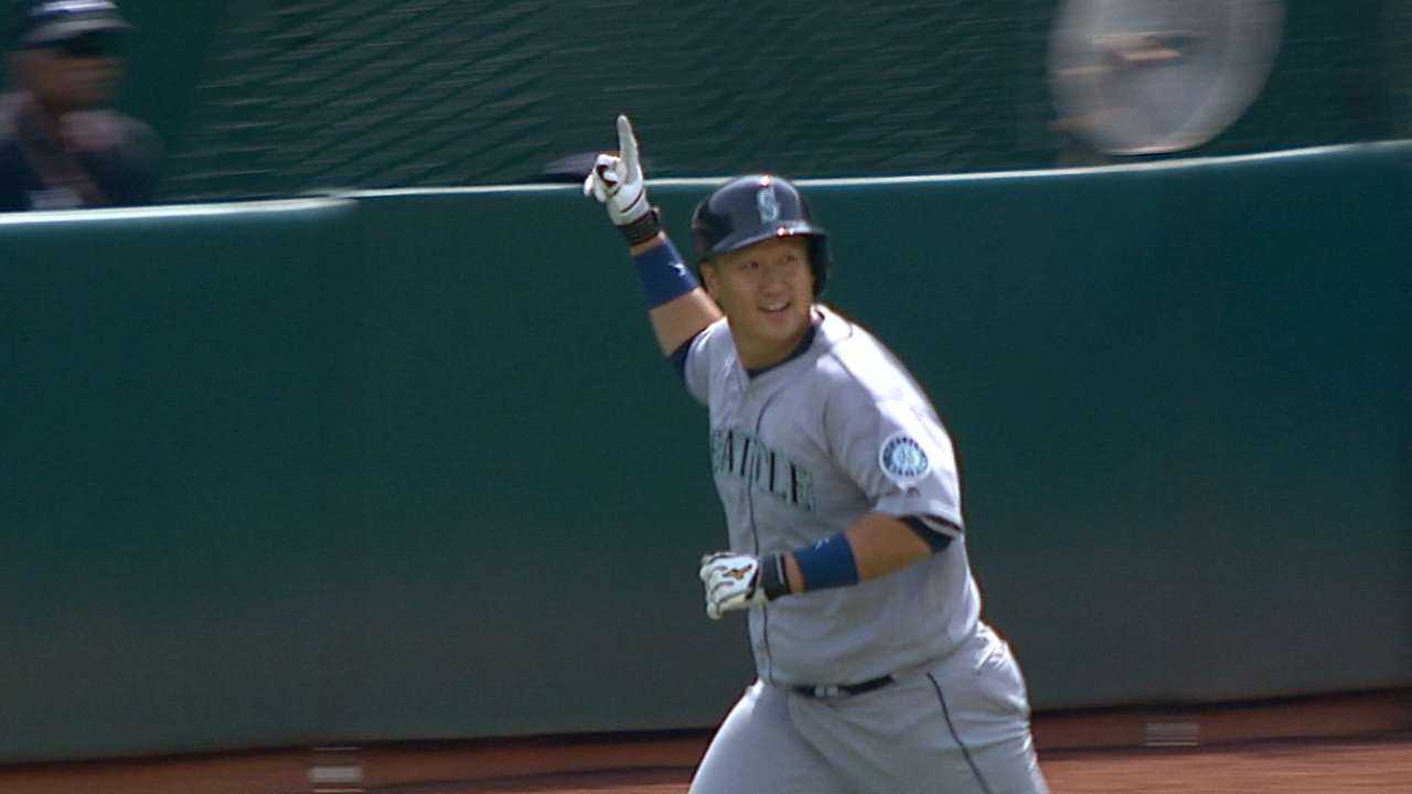 Power move: Mariners complete sweep of A's