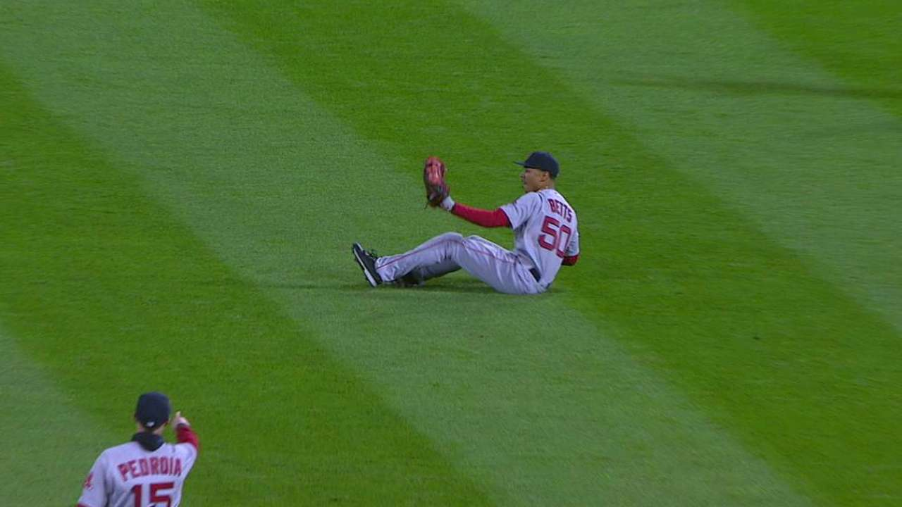 Betts' spectacular diving grab
