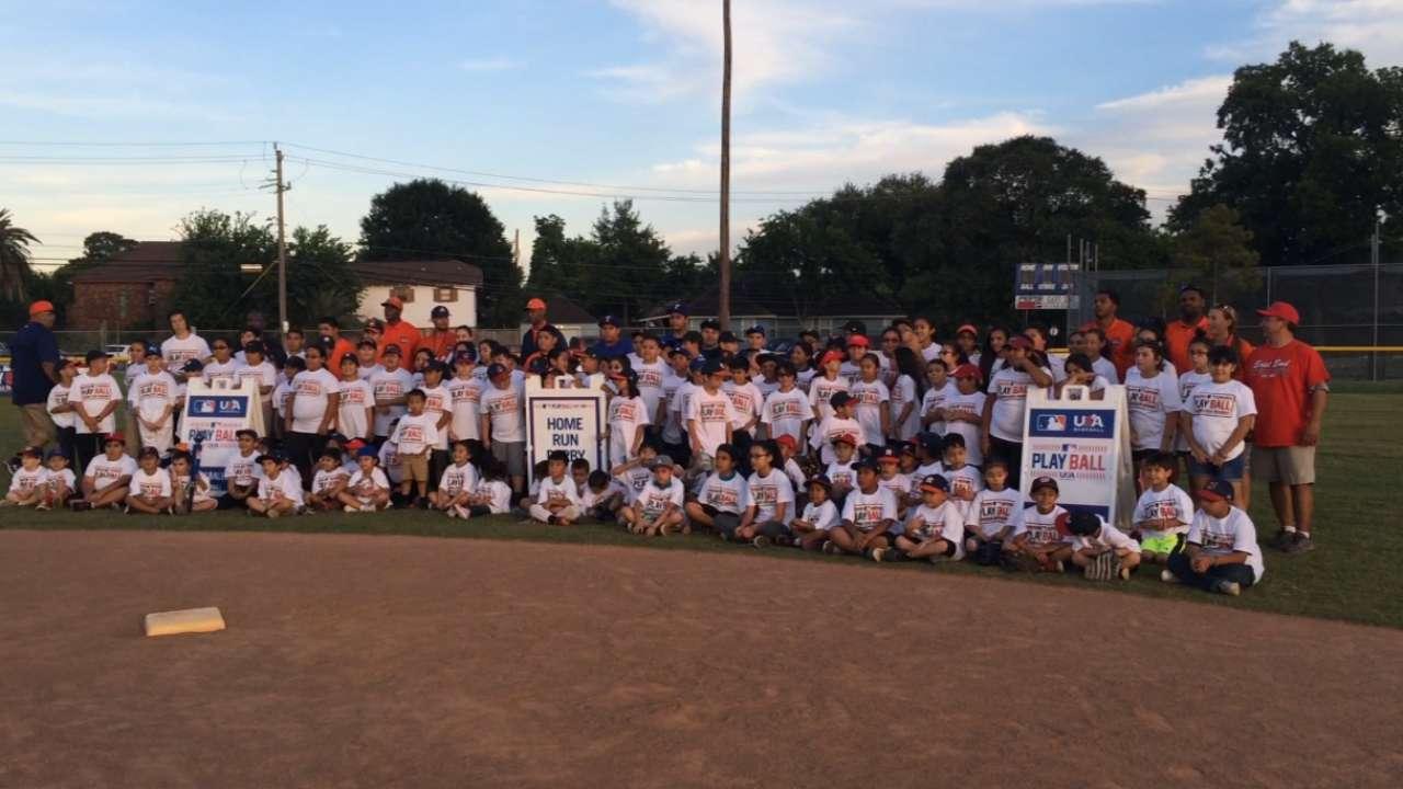 Houston kids enjoy PLAY BALL event