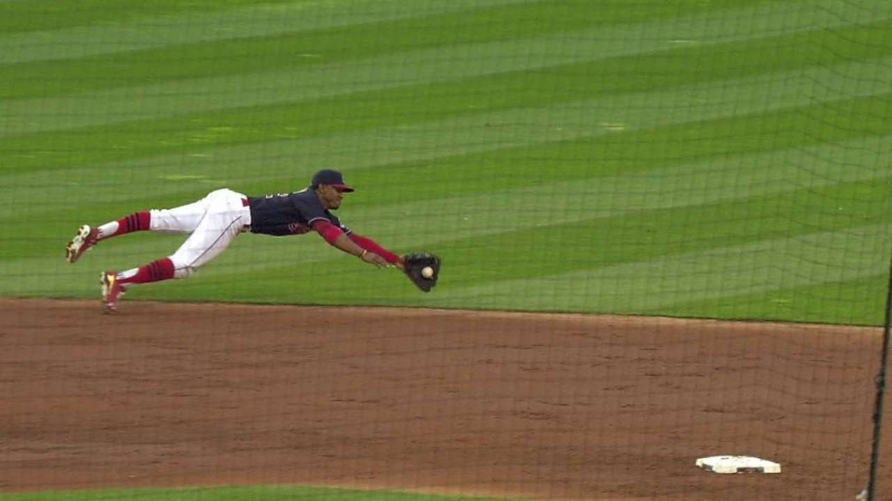 Lindor's electrifying dive