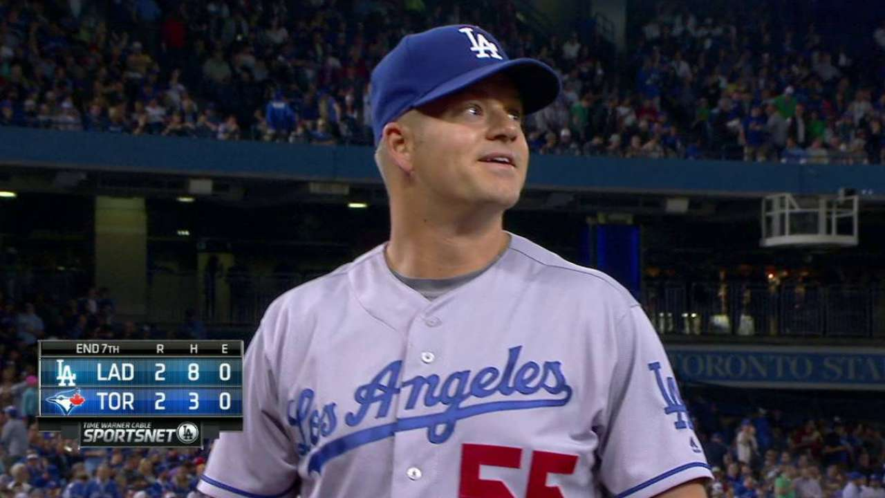 Blanton continues Dodgers 'pen's struggles