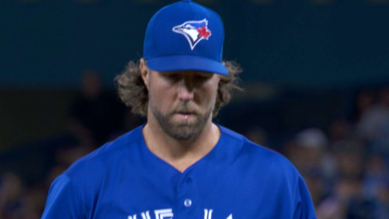 Dickey's seven solid innings
