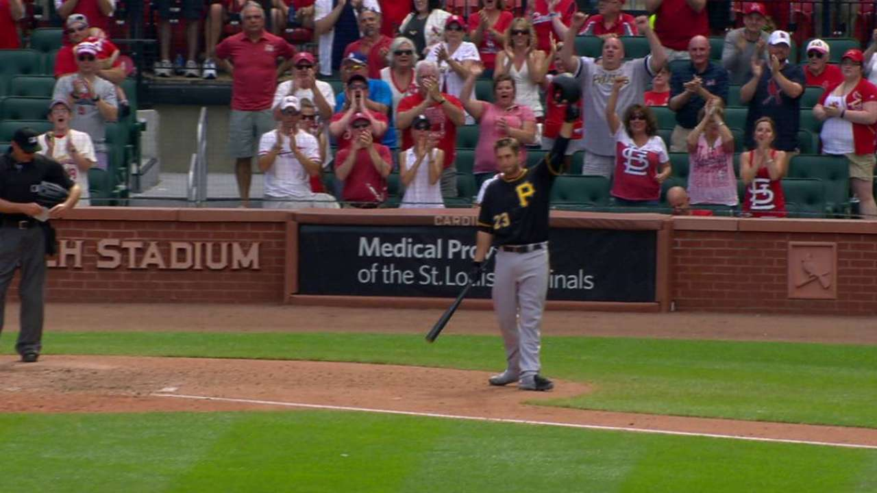 Freese gets ovation in return