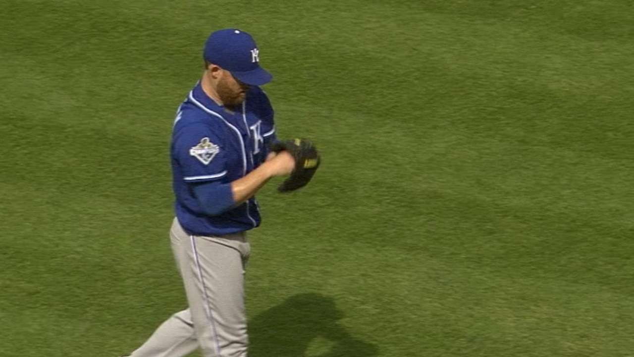 Kennedy proving durable, valuable to Royals