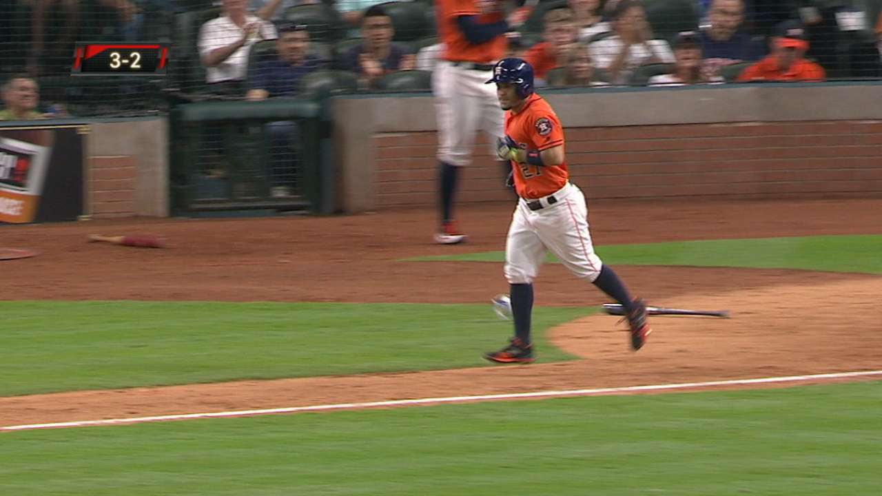 Altuve gets rare day off with sore left hand