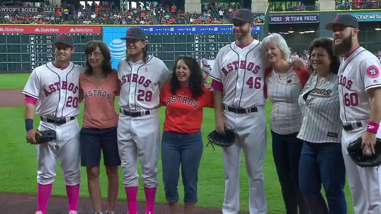 Astros' moms toss first pitches