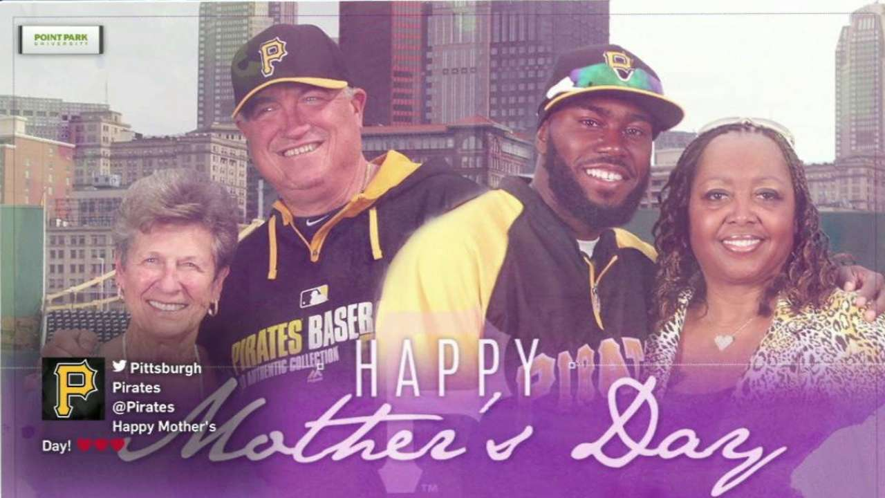 Black, gold and pink: Pirates celebrate moms