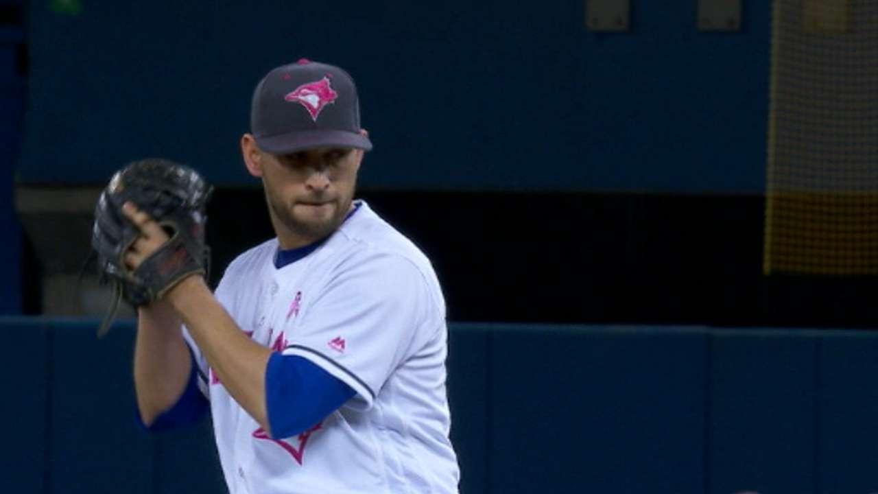 Estrada's dominant start