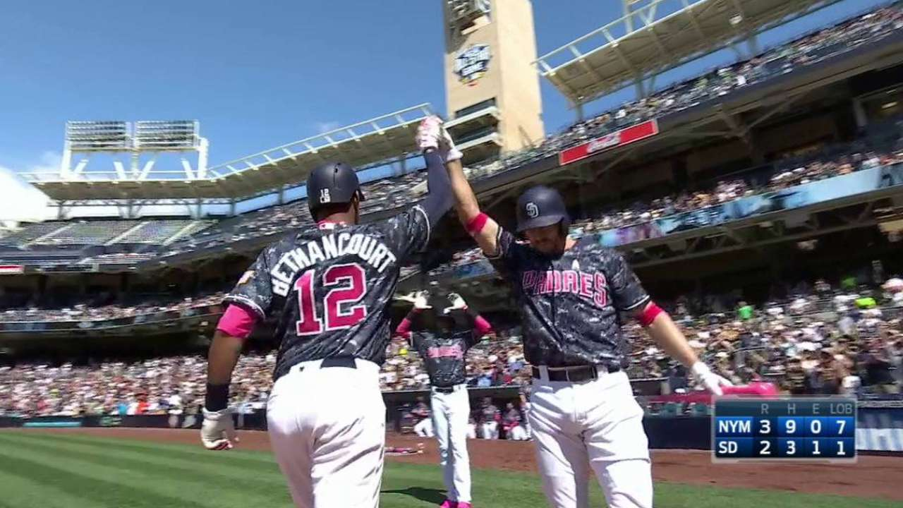 Bethancourt's two-run home run