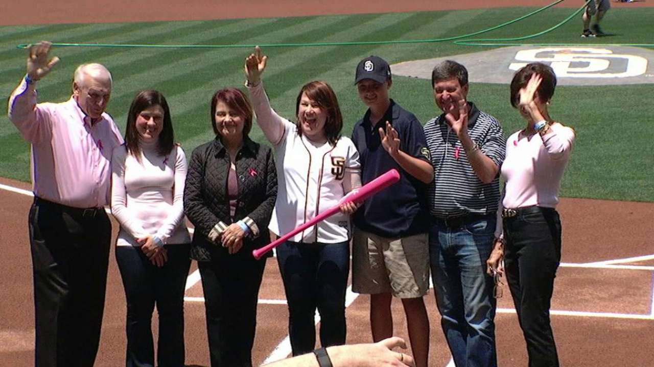 Trimble lauds MLB for breast cancer awareness
