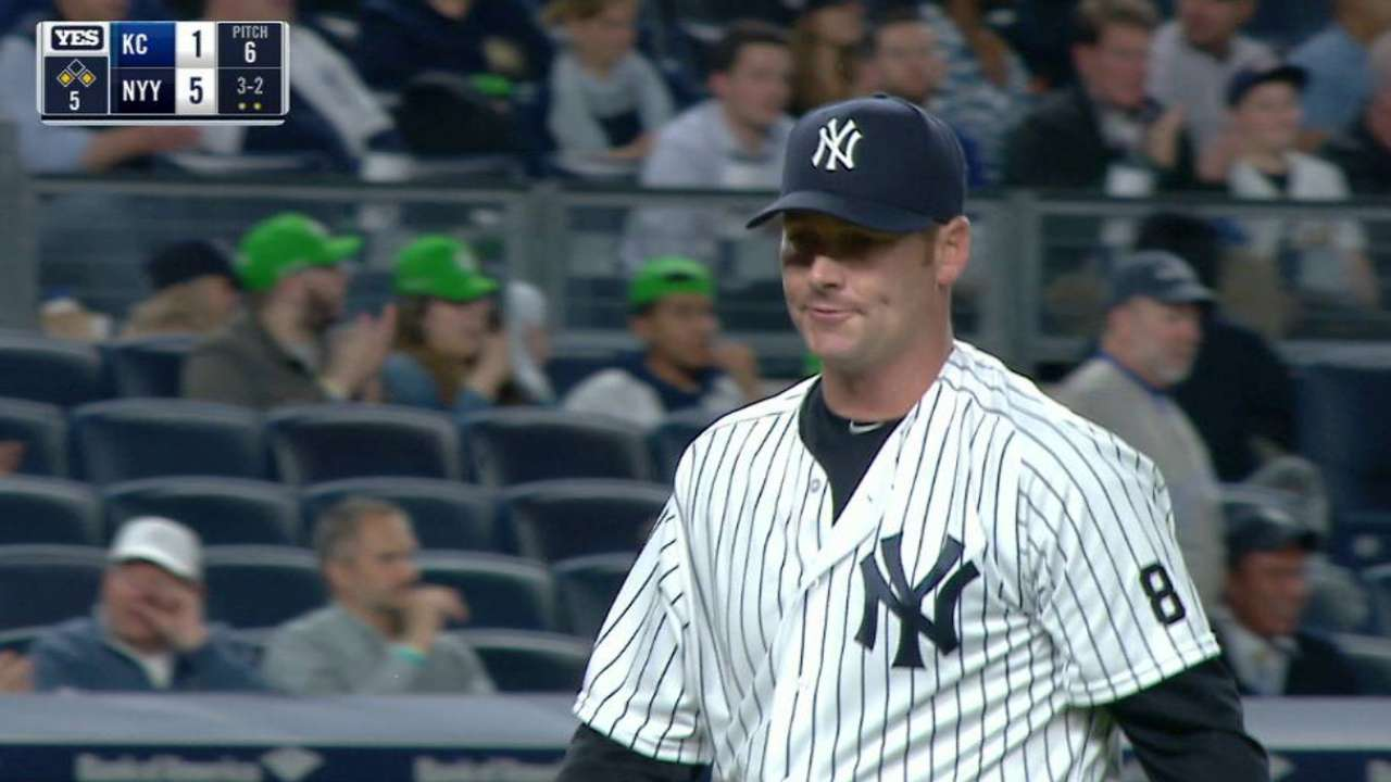 Pirates acquire veteran lefty Coke from Yankees