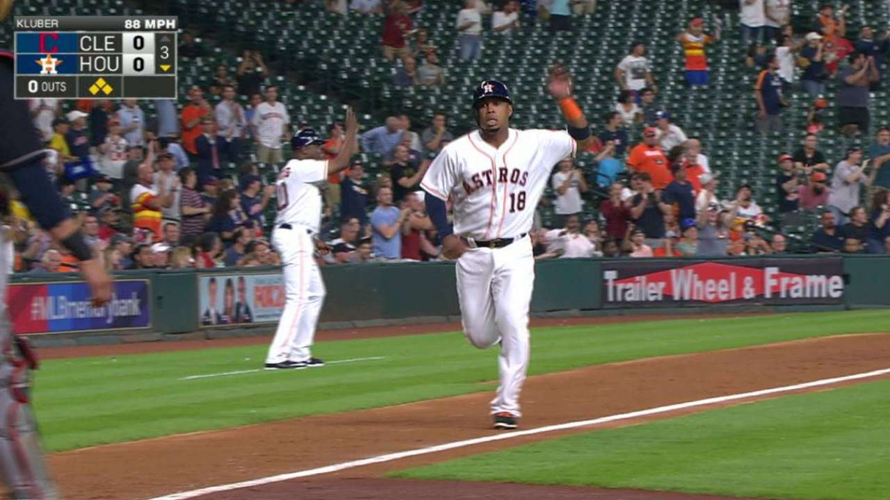 Astros down Tribe on 3-RBI night from Altuve