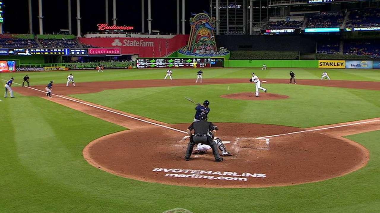 Villar sparks Brewers' bats in win over Marlins