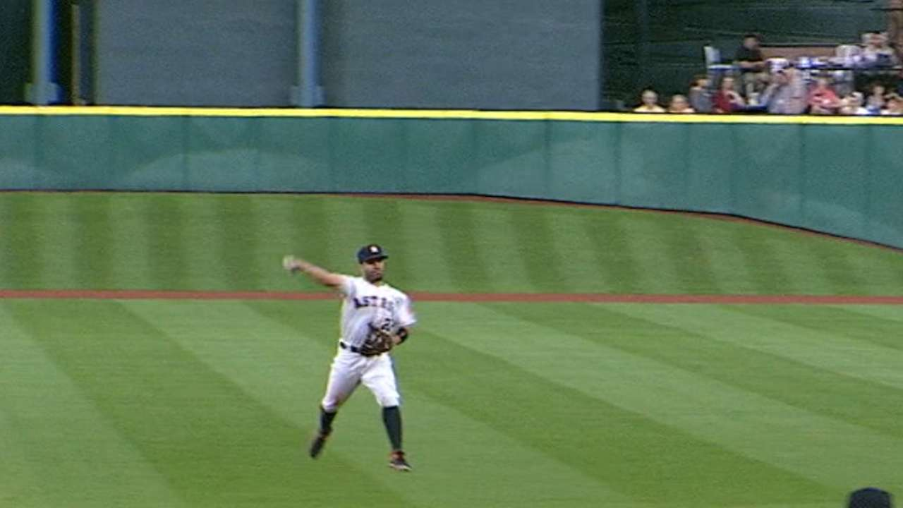 Altuve's fantastic leaping throw