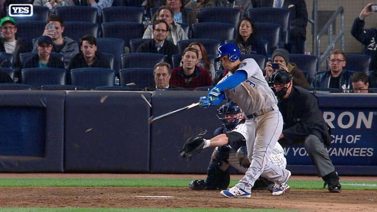 Chapman splinters bat