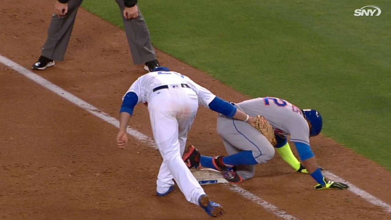 Cespedes shaken up, stays in