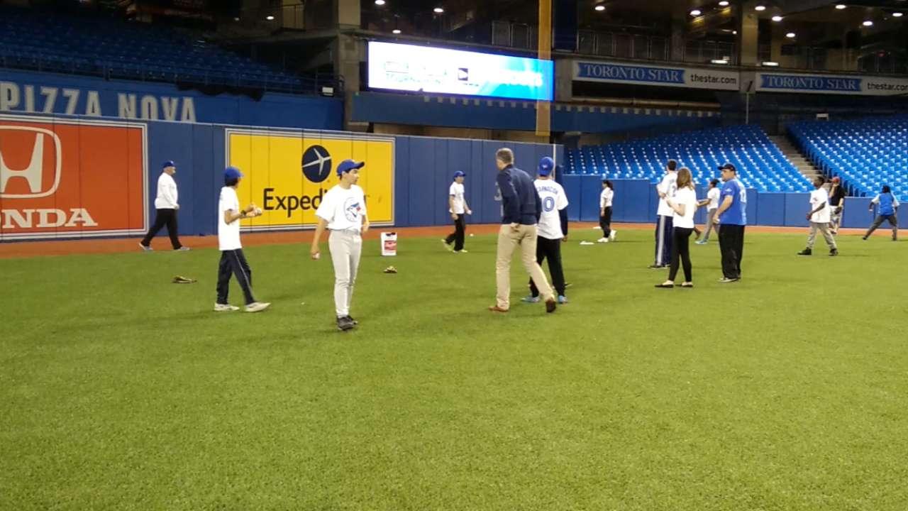 Blue Jays host Play Ball clinic