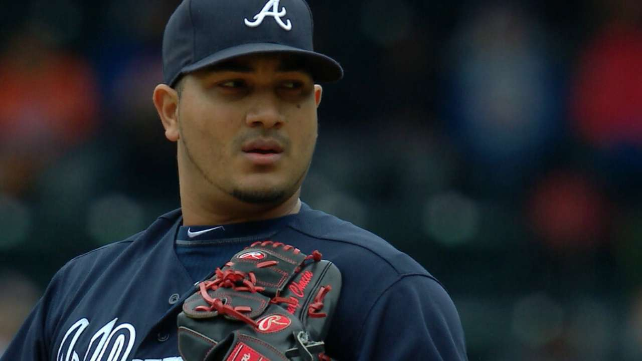 Angels acquire righty Chacin from Braves