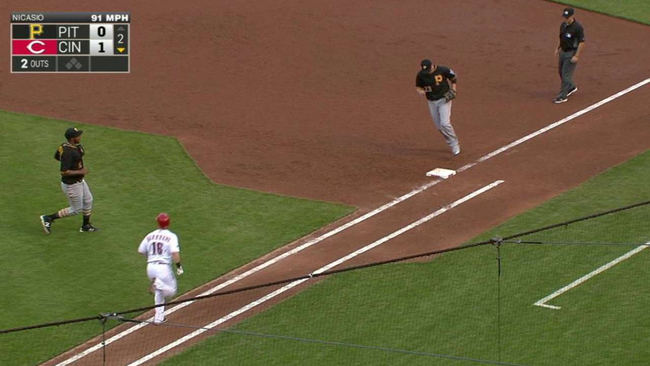 Freese's nice play at first