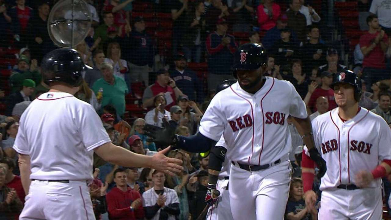 Boston vuelve a apalear a Oakland y barre la serie
