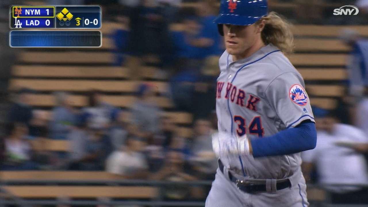 Jonrones de Syndergaard impulsaron a Mets en L.A.