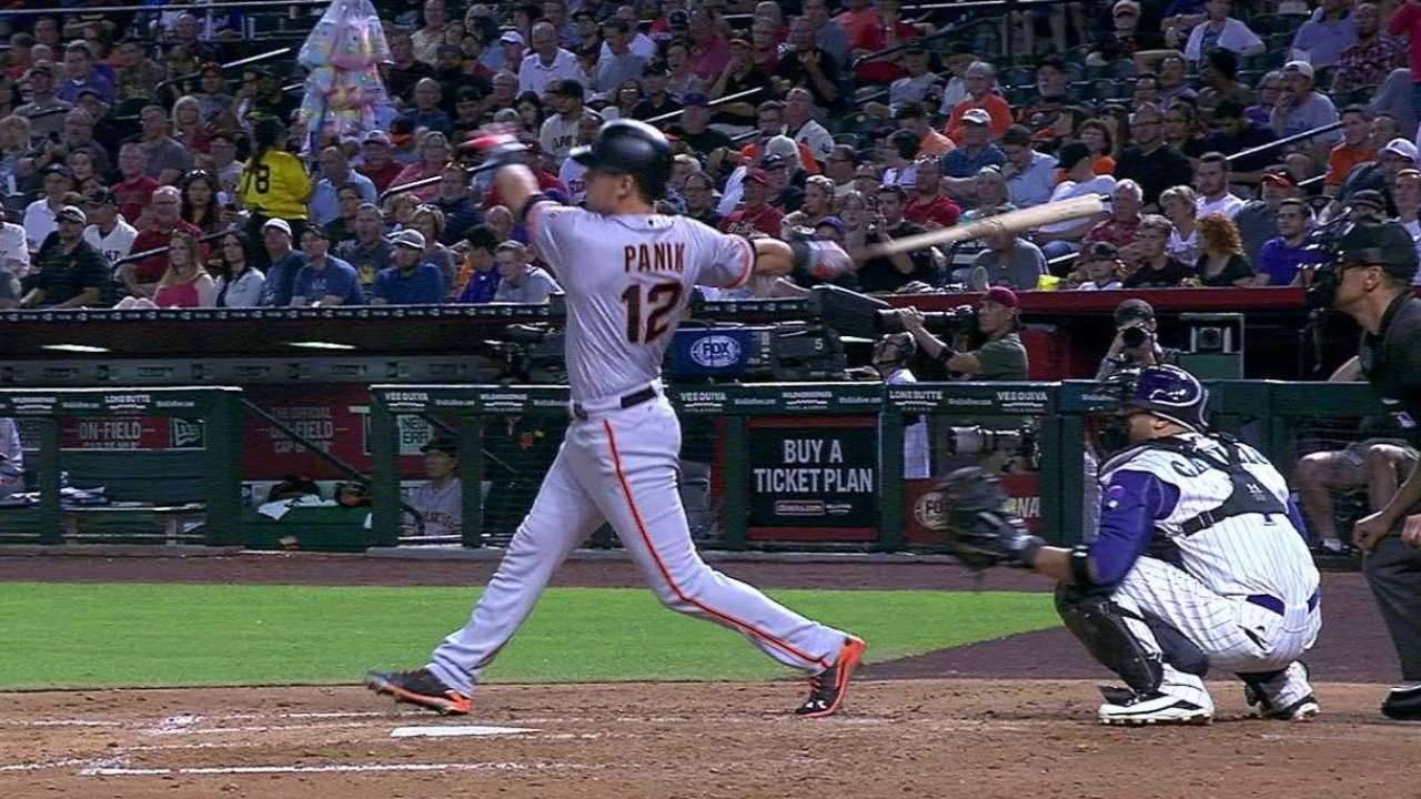 Cueto pitches Giants past Greinke, D-backs