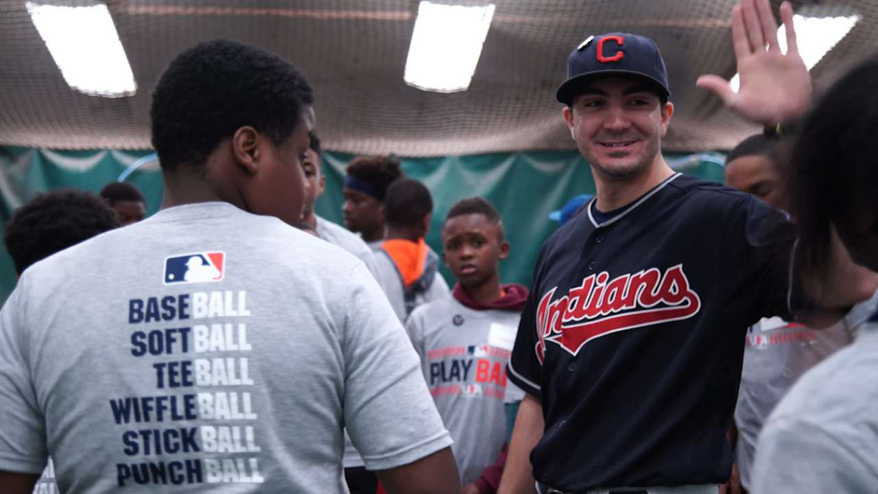 Cleveland-area kids congregate for Play Ball event