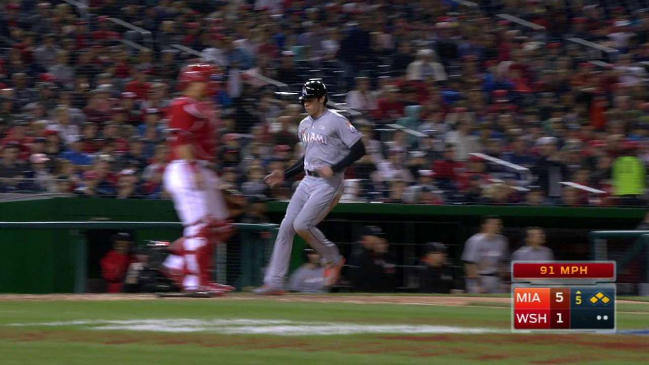Realmuto's hit extends inning