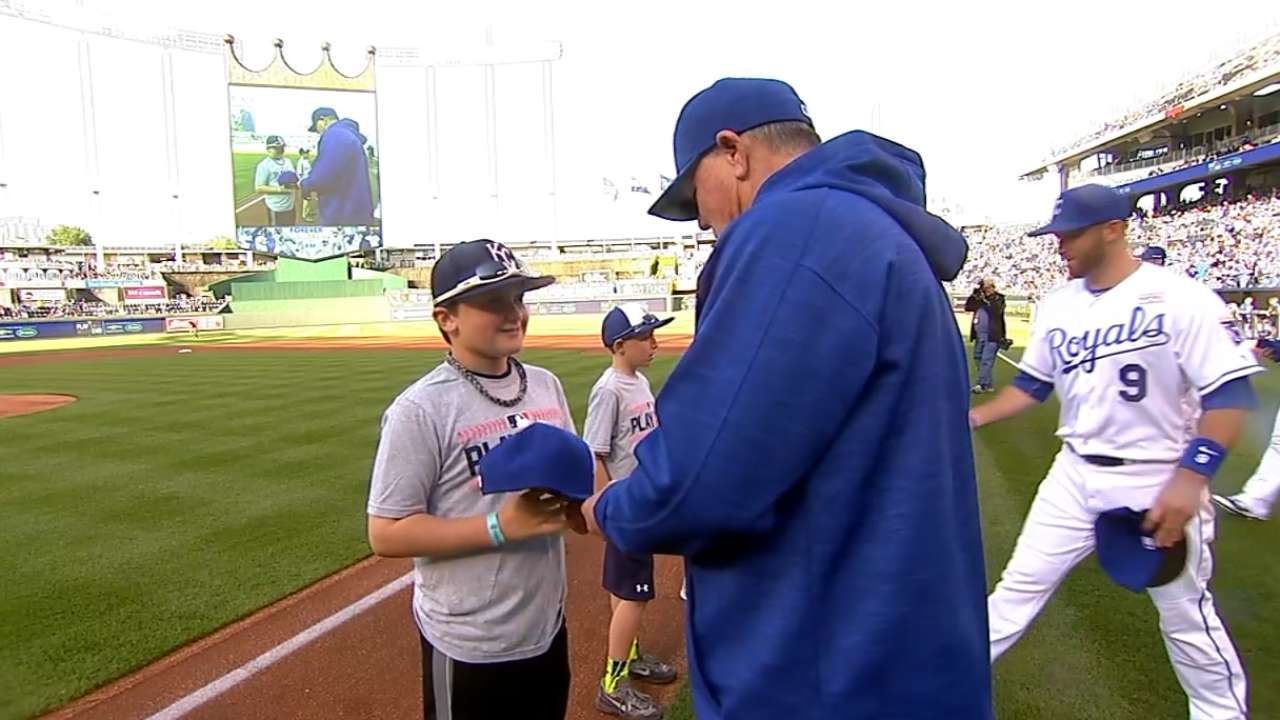 Royals share field with kids in Play Ball event